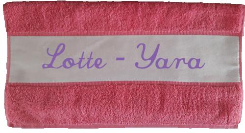 Handdoek met naam roze