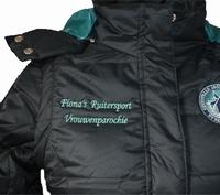 Logo ruitersport borduren op jas